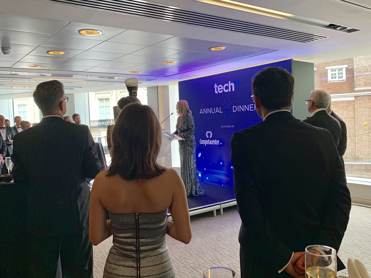 @SheilaFlavell1 kicking off the @techuk annual dinner reception with incredible support for diversity & inclusion - thrilled to pre-announce negative gender pay gap which means highly skilled and properly paid women @FDMGroup @techuk @ComputacenterUK #TechUKAnnualDinner #Skills