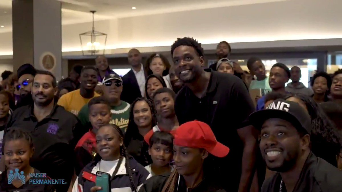 """""""It's really cool to come and reinforce principles that their parents, mentors and teachers are already telling them.""""  @RealChrisWebber joined @BuildBlack10 and @kpgreatersac to help spread knowledge to Sacramento youth 🎥"""