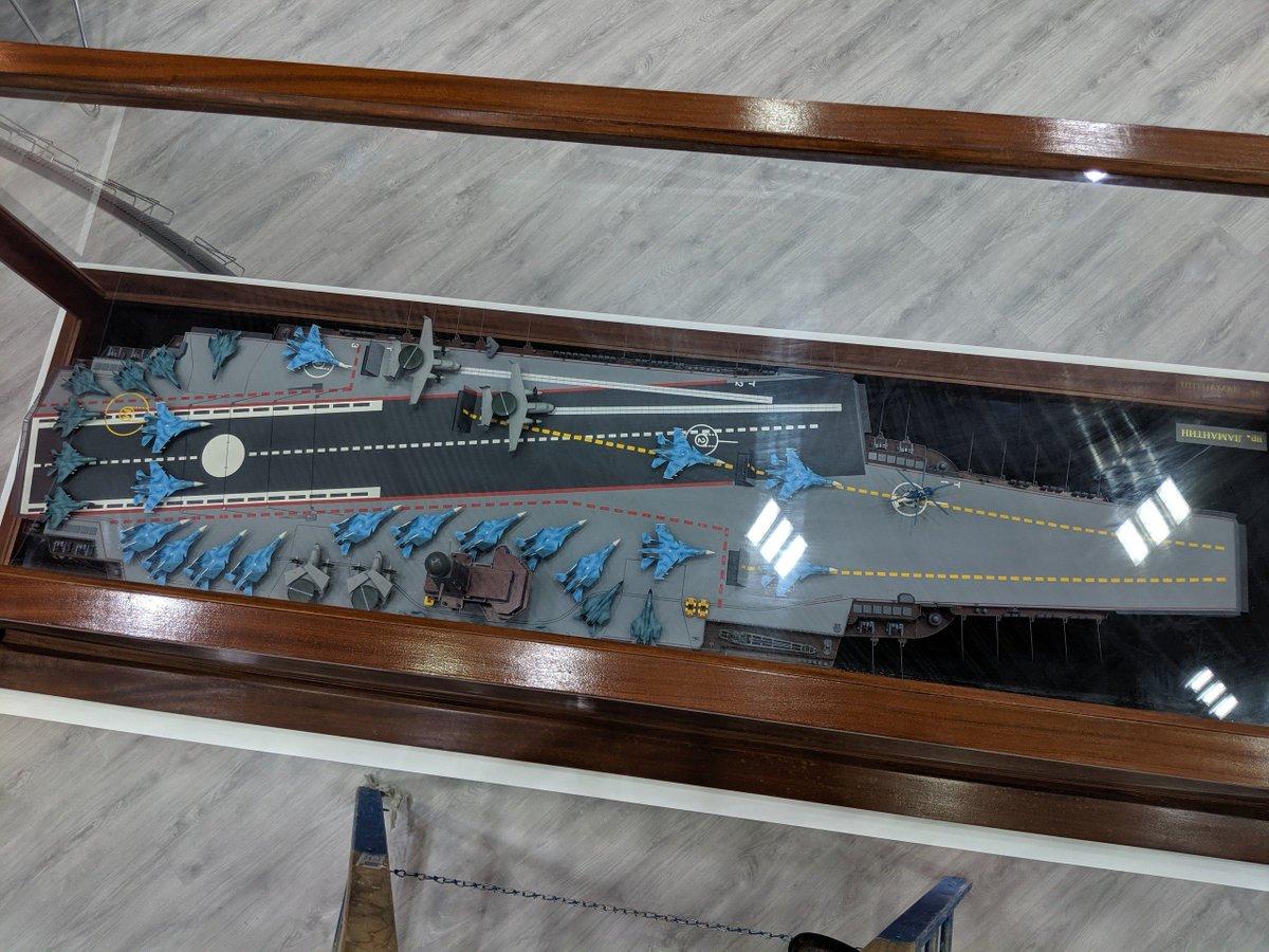الكشف عن تصميم حاملة الطائرات النوويه الروسيه  Project 11430E 'Lamantin' D_JD3nUXoAIJVCl