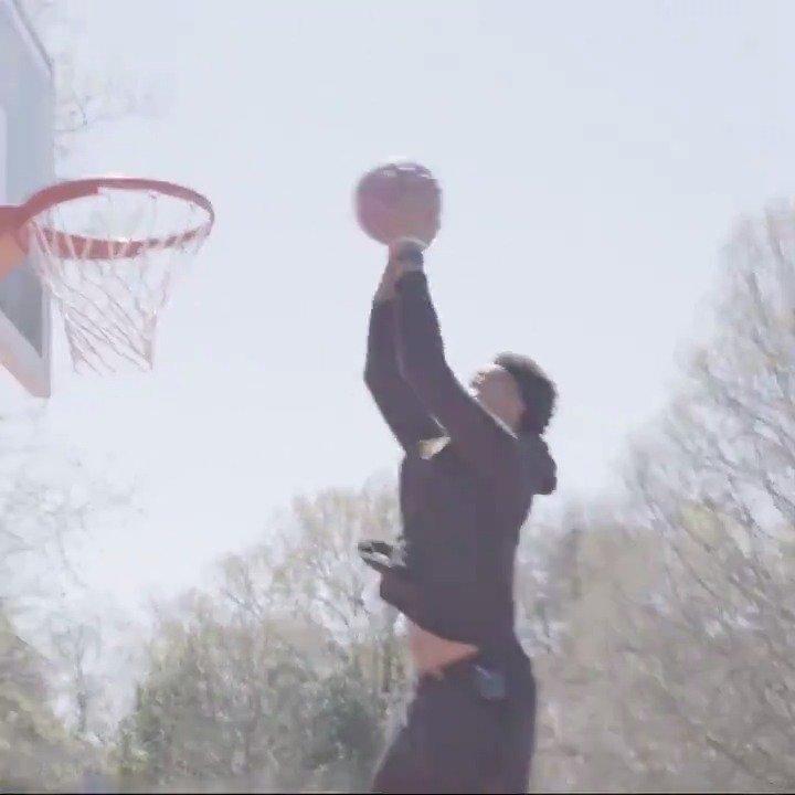 Him: You can dunk? @jcollins20_ : You think so? Yeah, we think so #TrueToAtlanta