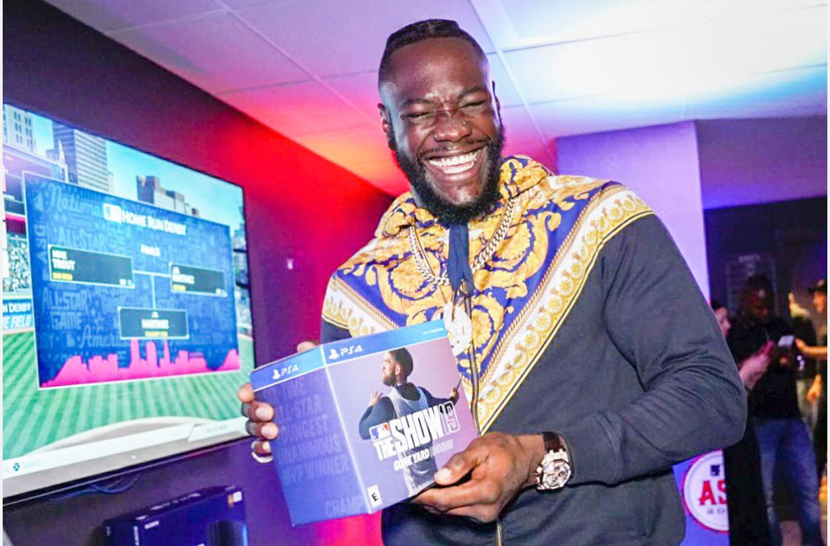 """""""King of the Ring almost became King of the Swing"""" Took home an MLB The Show Gone Yard Edition though! Great time at the Player's House with @MLBTheShow @PlayStation #BombZquad #HRDerby #ad<br>http://pic.twitter.com/WrifCbVLwJ"""