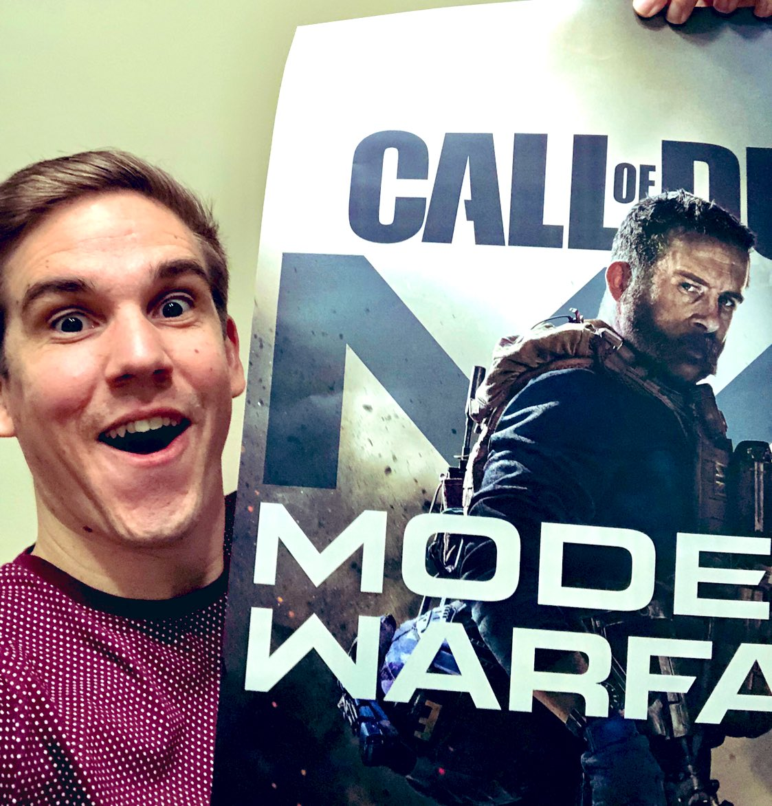 BIG NEWS PEOPLE!!!At 10am PST tomorrow I have the pleasure of showing off GUNFIGHT a new 2v2 mode in CoD MW multiplayer!Awesome CoD announcementsNew 2v2 mode for the first timeYOU CANNOT MISS IT http://twitch.tv/teepee #COD_PARTNER