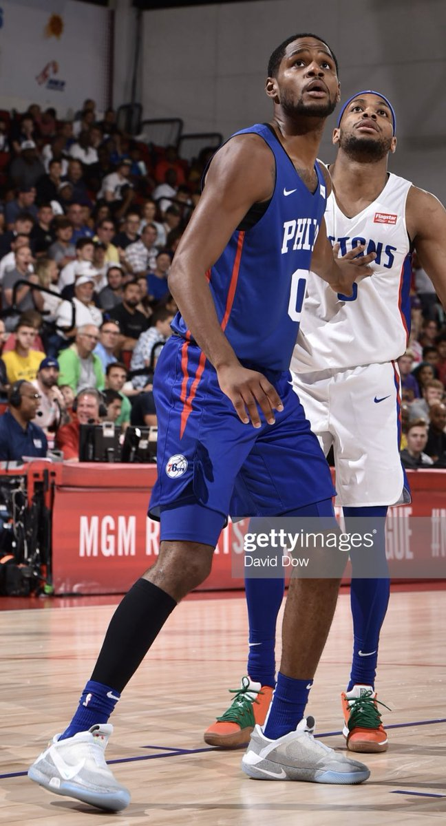 .@ajdavis3 in the Nike Adapt BB 'Mag' in today's Summer League game vs the Pistons 🔥🔥  @ThePhifthQ