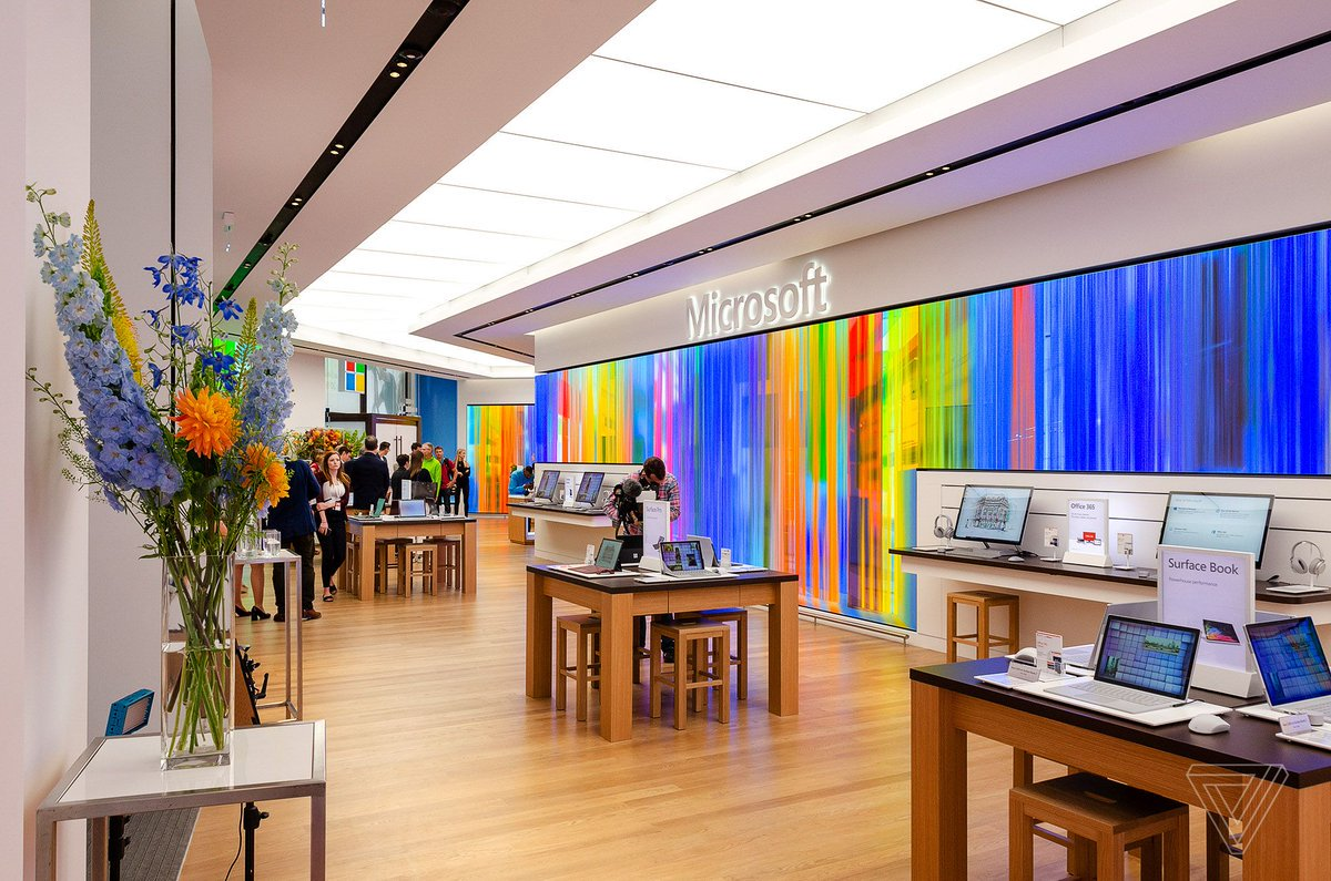 Microsoft's new London store is big, bold, and British https://www.theverge.com/2019/7/10/20687952/microsoft-store-london-oxford-circus-uk-preview-review?utm_campaign=theverge&utm_content=chorus&utm_medium=social&utm_source=twitter…