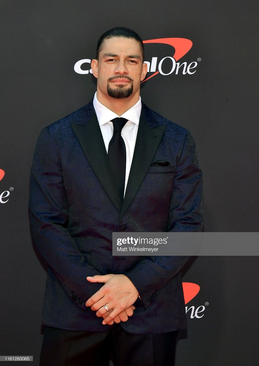 RT @Fileana2: #RomanReigns on Red Carpet  - The 2019 ESPYs - Show https://t.co/3EUqc5lOSH