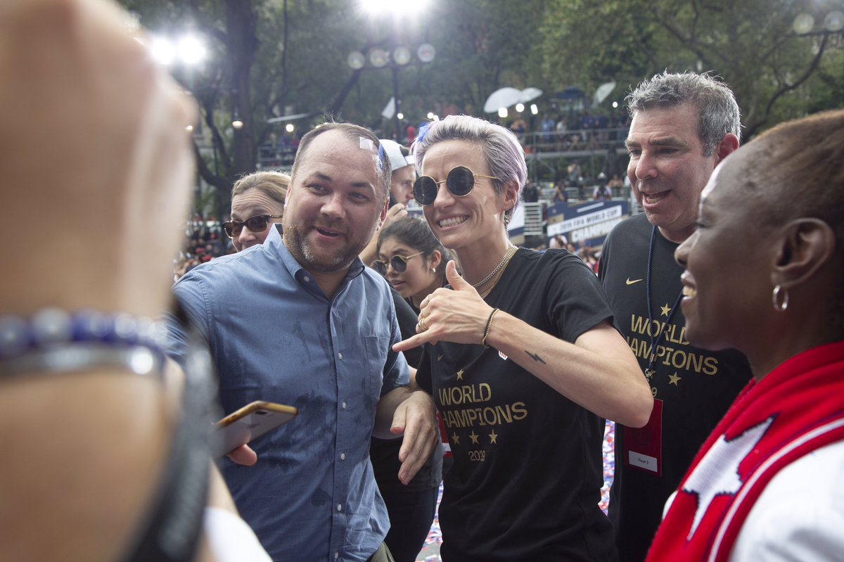 Today we photographed the #USWNTParade and victory celebration. Here's a link to images: flickr.com/photos/3421087…