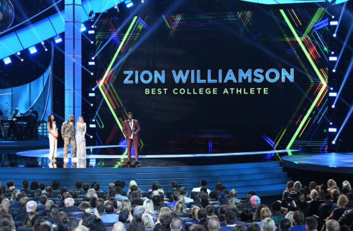 .@ZionWilliamson wins ESPY for best college athlete   Story: https://www.nba.com/pelicans/zion-williamson-wins-espy-best-college-athlete …