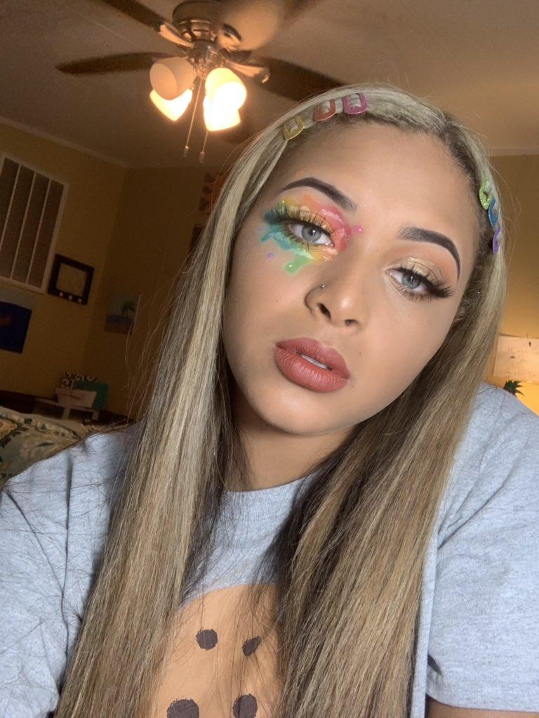 e8d91e0ec16 #makeup hashtag on Twitter