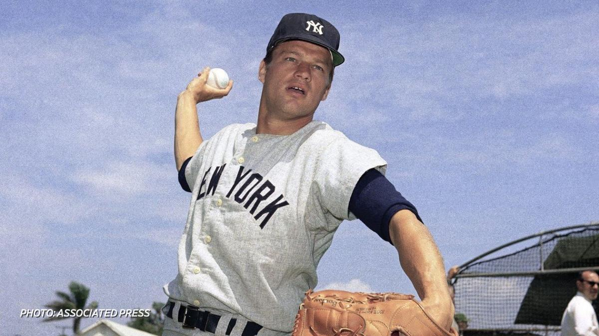 """The former New York Yankees pitcher Jim Bouton, who shocked the baseball establishment with the tell-all book """"Ball Four,"""" has died at age 80 https://on.wsj.com/2jB1LHQ"""