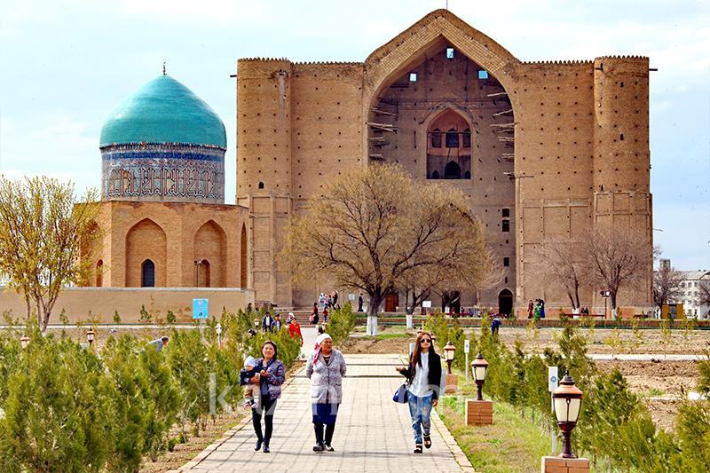 кто поет туркестан древний город вишни город туркестан пошли ближайший
