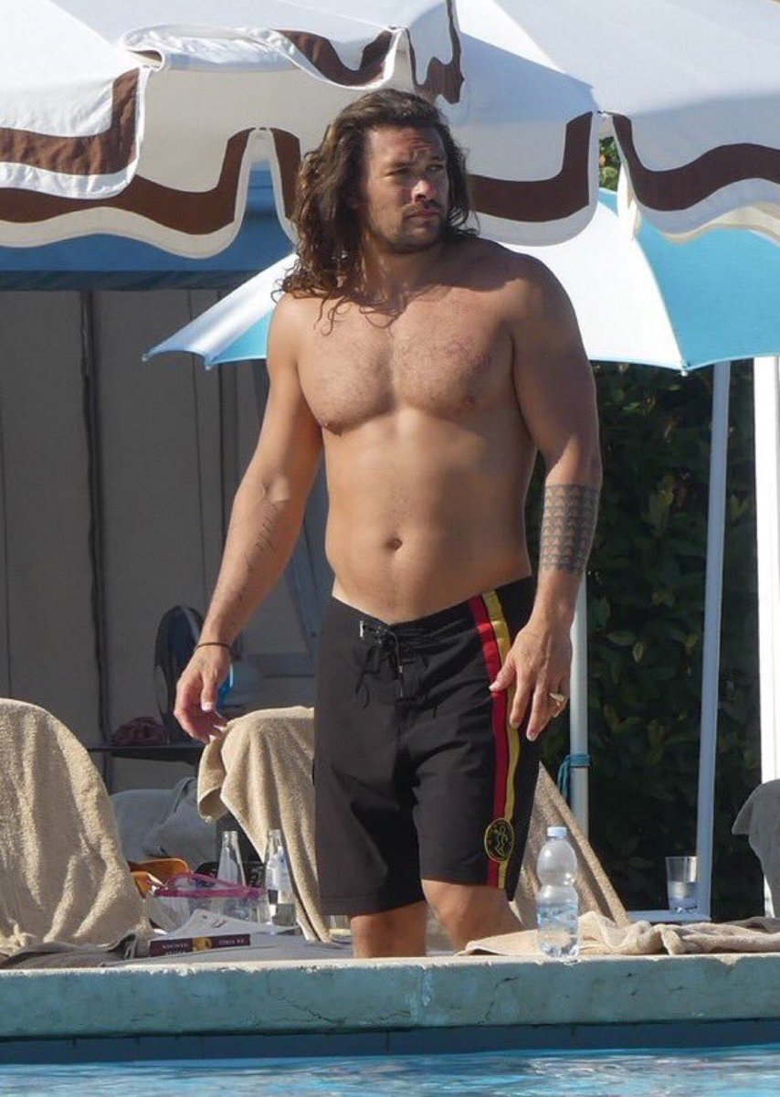 Apparently, the internet is body shaming Jason Momoa for this photo, saying he has a 'dad bod'. Hahahahaha! Go home, internet. You're drunk.