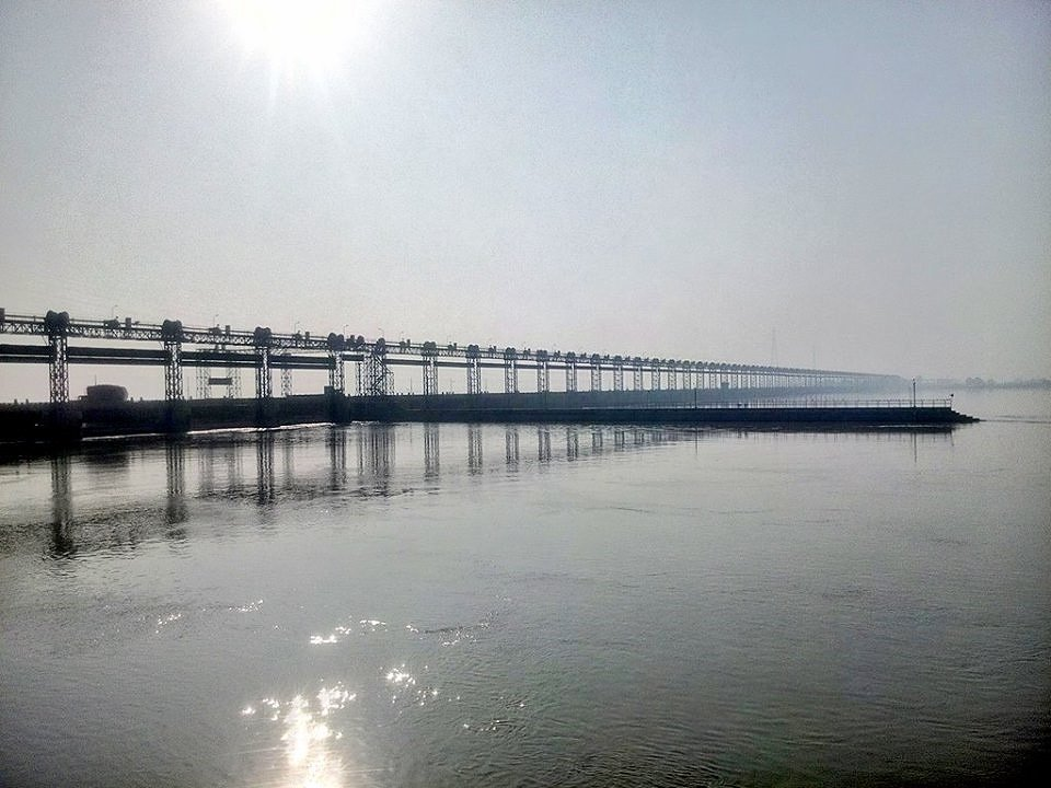 Sindhu, Sindh, Indus: a tiny ocean at Taunsa Barrage