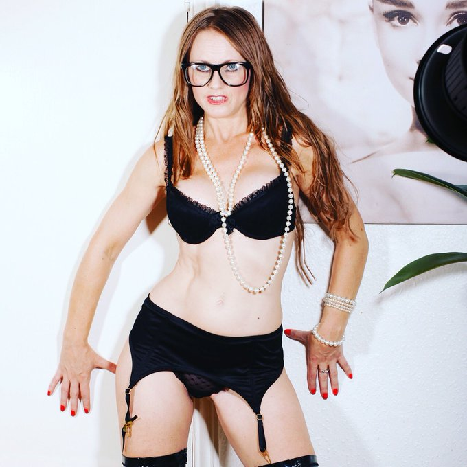 Glamour model @MissSofiaRae Photo Shoot Watch video at https://t.co/Sfhoe07jdX   #glamour #models #onlyfans