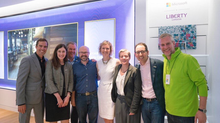 Thank you @MicrosoftUK for inviting @UKYouth to preview the new Microsoft London flagship on Oxford Street! We are very proud to be one of three community partners benefiting from a £1m donation to equip more young people with digital skills! #MicrosoftLDN #GenerationCode