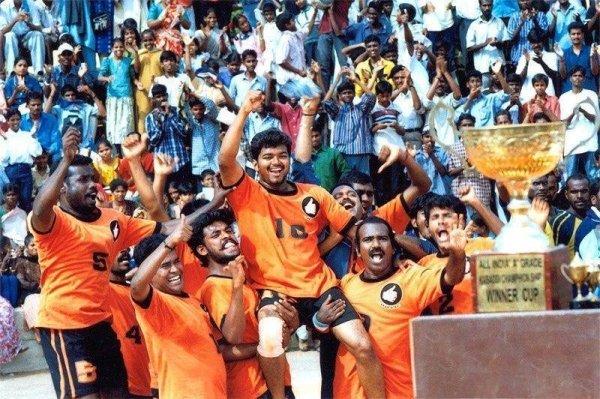 The Only Team Inthe World Won the Trophy After Lose Semifinal  ஆட்டத்துல வேலு  இருந்துருக்கனும்..   #indiavsNewzealand <br>http://pic.twitter.com/kMbv1e5U6S