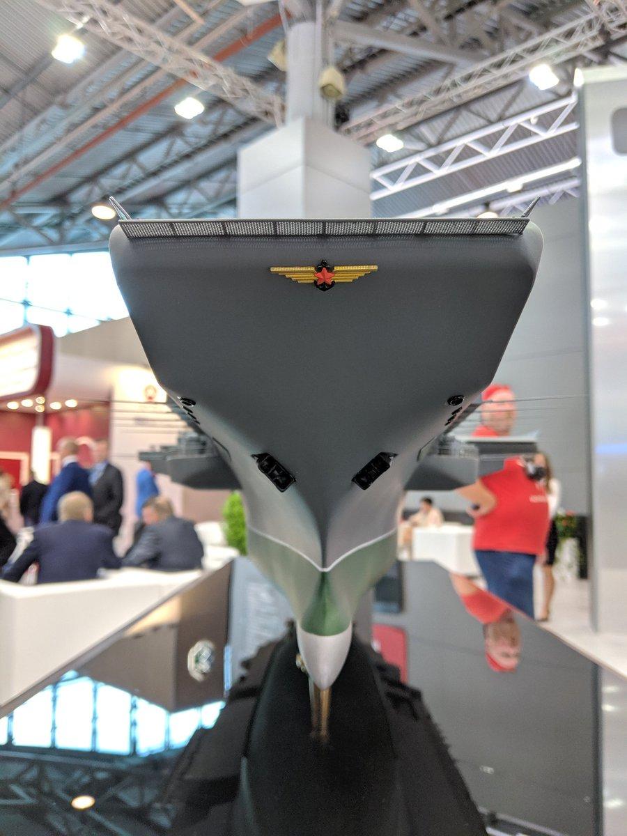 الكشف عن تصميم حاملة الطائرات النوويه الروسيه  Project 11430E 'Lamantin' D_LqtT3WkAIwkdB