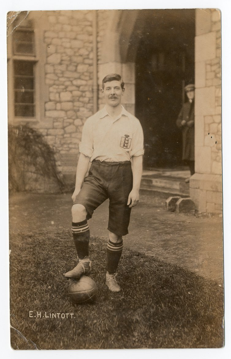 Our #ThrowbackThursday from the @UniofExeter #archive this week is a photograph of England international footballer, Evelyn Lintott, taken when he was a student at St Luke's College in #Exeter in 1907. He was killed 1 July 1916 in the Battle of the Somme. #ExploreYourArchive