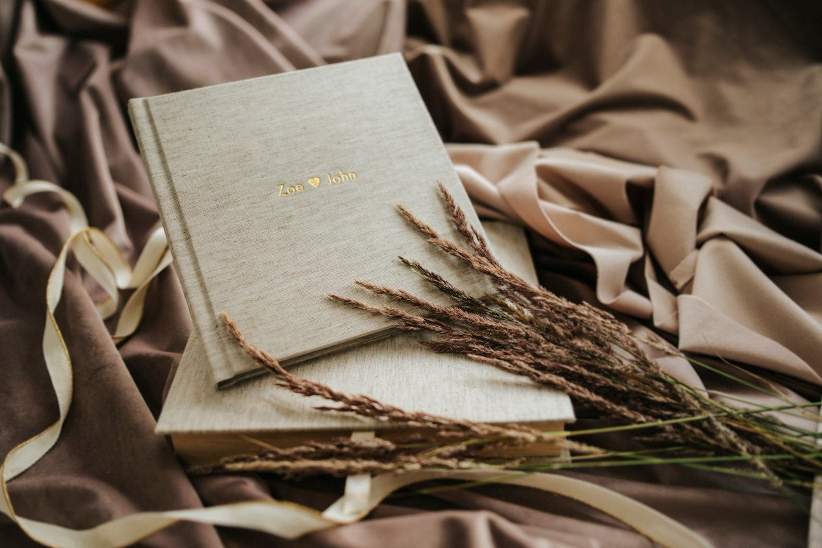 Some fresh and new pictures of our amazing BloomBook! #qtalbums #teamqt #bloombook #bloombookqt #ecobook #greatdeal #weddingalbum #engegamentalbum #photoalbum #photobook