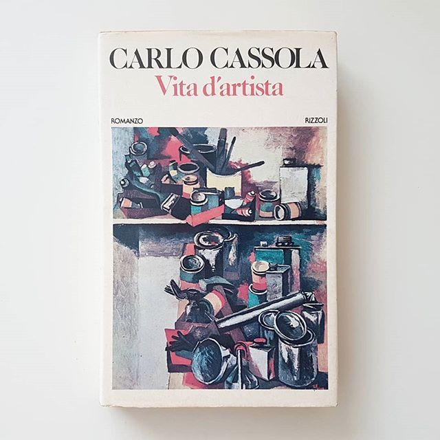 #CarloCassola #VitadArtista is a sharp novel about the contradictions of the #ArtistLife and the struggle between personal research and the desire of being popular according Marxist ideals. The story is inspired by #RenatoGuttuso (who is the author of th… https://t.co/rxUD5AZ3lm