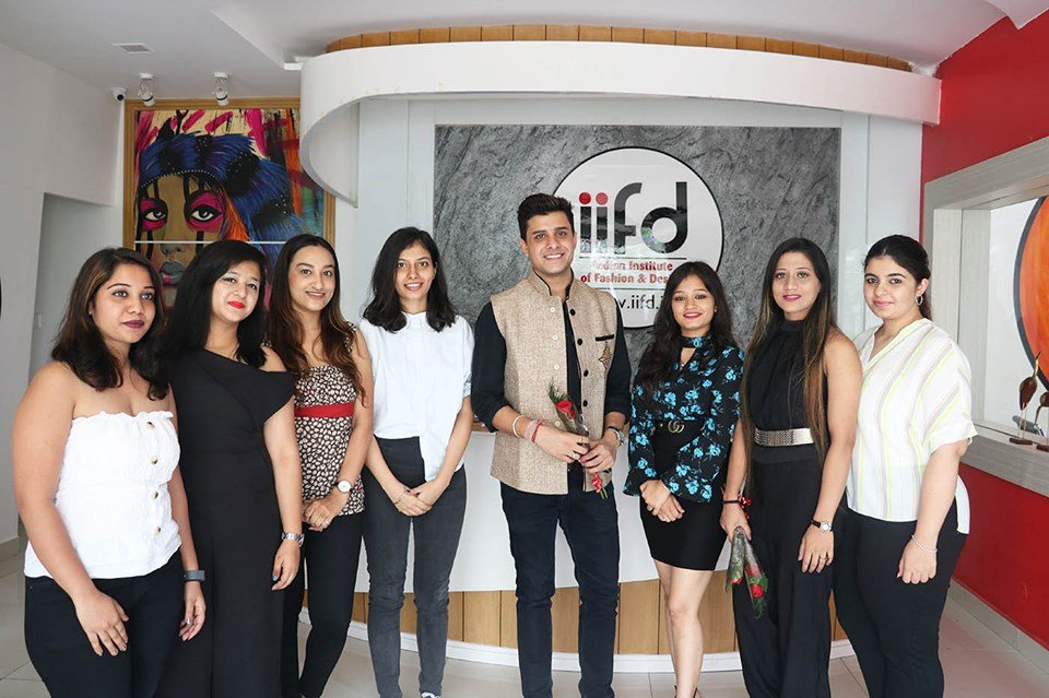 Iifd On Twitter Rj Manav At Iifdcampusmohali Rjmanav Visit Iifdmohalicampus On Fashionbloggersmeet And Have A Fashion Career Discussion With Fashionstudents At Iifd Indian Institute Of Fashion And Design Rjmanav Fashionbloggermeet