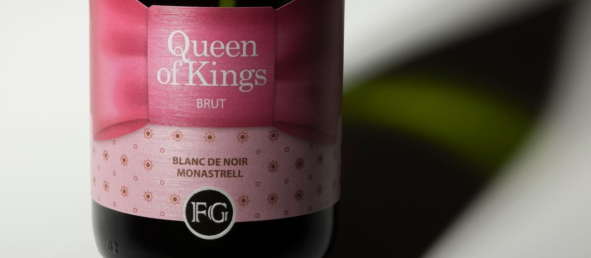 The 2019 London Wine Competition received entries from countries all around the world. @BodegasFG winery's Queen of Kings Blanc de Noir (Brut) from Spain won the Best Wine in Show by Country (Spain) Award at this competition. https://buff.ly/30yOhNp  #wineawards #winenews