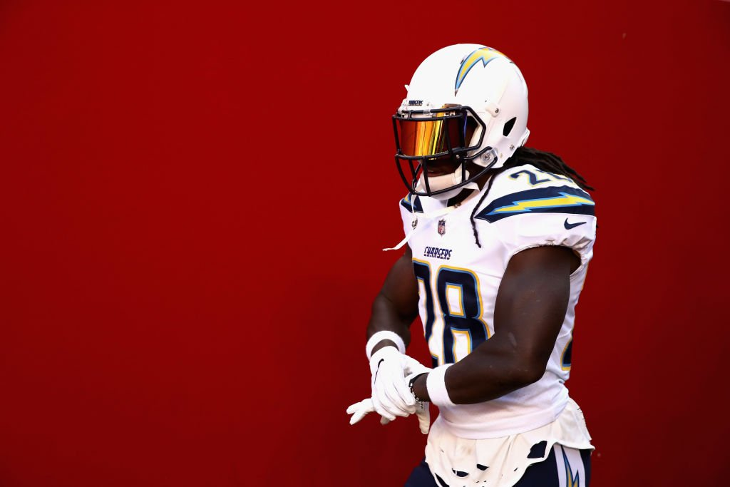 RB Melvin Gordon has told the Chargers he will demand a trade and skip camp if he doesn't receive a new contract, per @AdamSchefter<br>http://pic.twitter.com/jnEDHVUqC8