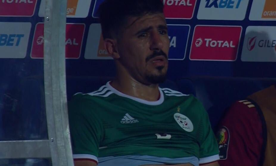 This must've been the longest 40-odd minutes in Bounedjah's career. He was a complete wrack on the bench after being substituted following his second-half penalty miss... #ALGCIV<br>http://pic.twitter.com/c8vChYvwbp