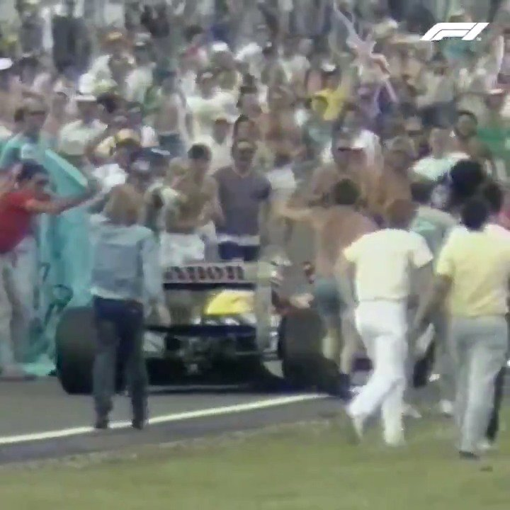 Mansell-mania in full swing ❤️  #BritishGP 🇬🇧 #F1