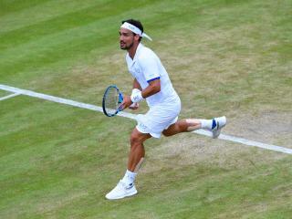 Hij kon zijn 'stiff upper lip' niet op zijn onderlip houden. Fognini krijgt kleine boete na uitspraken over 'bom op Wimbledon'   NU - Het laatste nieuws het eerst op. #TSNL #tennis #sport http://NU.nl