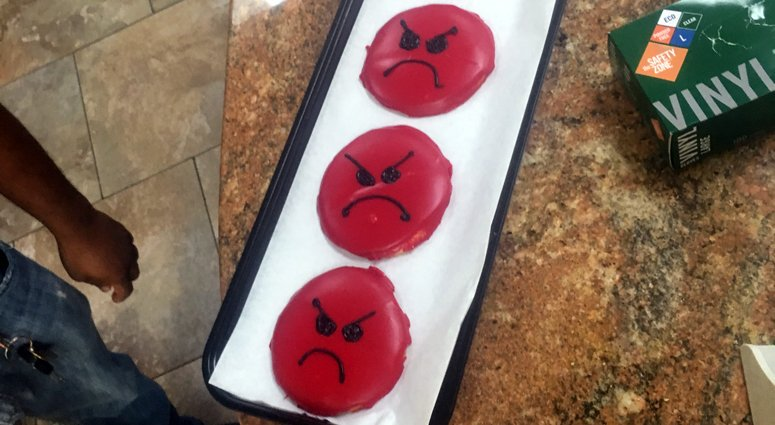 Bagel Boss in Bay Shore now has angry, red-faced cookies after #bagelguy rant. The store will also introduce women empowerment cookies. https://bit.ly/30xPC67