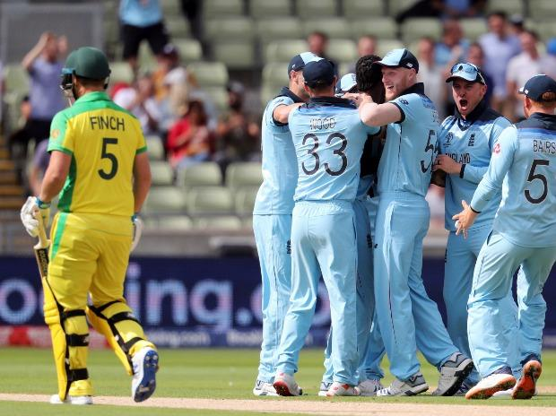 #ICCCWC2019 semi-final 2, Aus vs Eng live score: England crush Australia by 8 wickets, to face New Zealand in the final at Lord's  #ENGvAUS  #CWC19 #ICCWorldCup2019    https:// mybs.in/2X7Z5f86985    <br>http://pic.twitter.com/vHPzxfIUEW
