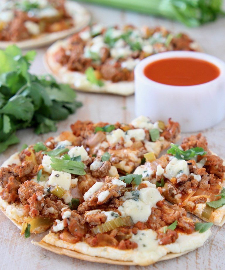 Buffalo chicken is out, buffalo turkey is in. And when you use Butterball Ground Turkey for this Cheesy Buffalo Turkey Pizza recipe, you're putting the mm in yummy.