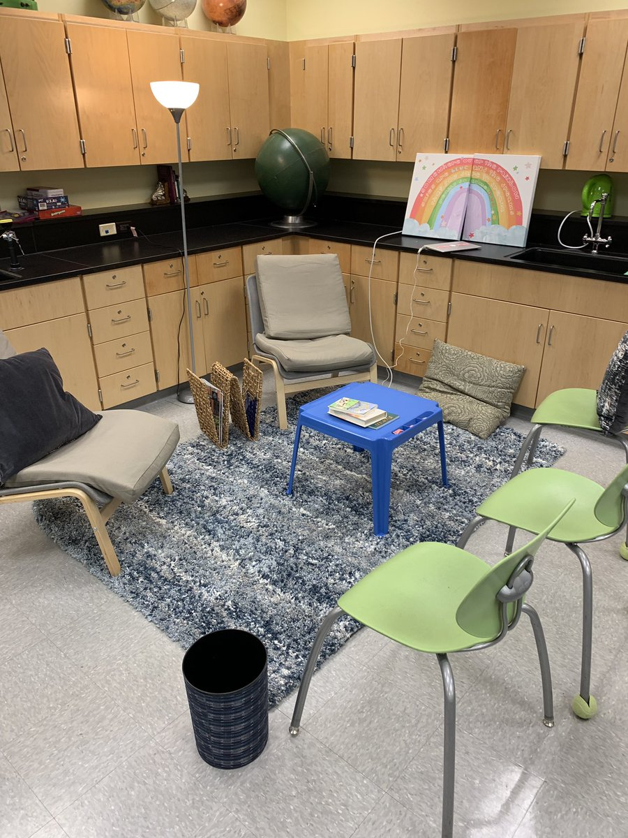 Alternate seating in summer school. Anything to help students love learning! <a target='_blank' href='http://twitter.com/SamKlein_ESOL'>@SamKlein_ESOL</a> <a target='_blank' href='http://twitter.com/APS_SecondaryEd'>@APS_SecondaryEd</a> <a target='_blank' href='http://twitter.com/claudia_debose'>@claudia_debose</a> <a target='_blank' href='https://t.co/uywWeL1Hot'>https://t.co/uywWeL1Hot</a>