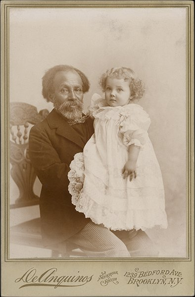 """The Langmuir collection has portraits of African American men in the world of domestic servants that you don't see in other collections. From the exhibit """"Framing Shadows: Portraits of Nannies..."""" http://bit.ly/emory-framing-shadows… #FramingShadows #Emory @EmoryAAS"""