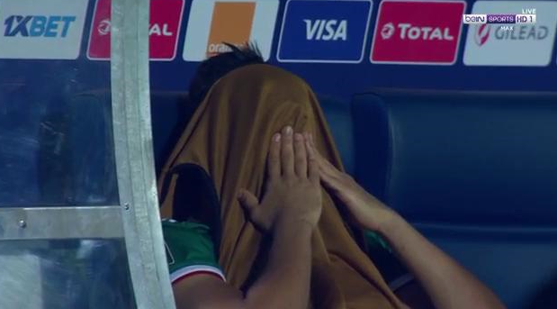 FT:   1 - 1   To extra-time we go! Bounedjah hides behind his bib as he knows that penalty miss could be costly...  #beINAFCON #AFCON2019 <br>http://pic.twitter.com/2ObqLaugtT