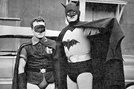 You think Lewis Wilson is the best Batman. #SignsThatYouLiveInThePast <br>http://pic.twitter.com/uI906qGnHw