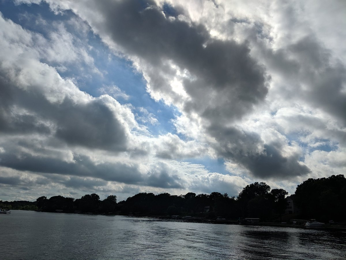 Hey #Culturetrav! Cynthia tweeting from #Minneapolis ready to talk about opportunity! Here's some #Minnesota lake and sky 😊