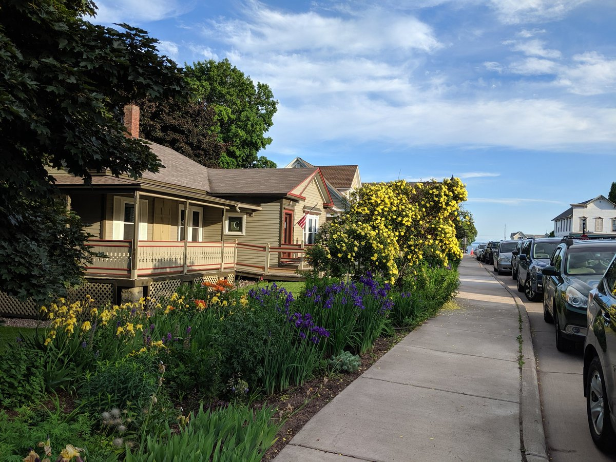 A1. I like to take the time to just walk around some residential neighborhoods to get a feel for a place. This house in Bayfield Wisconsin had a great garden #Culturetrav