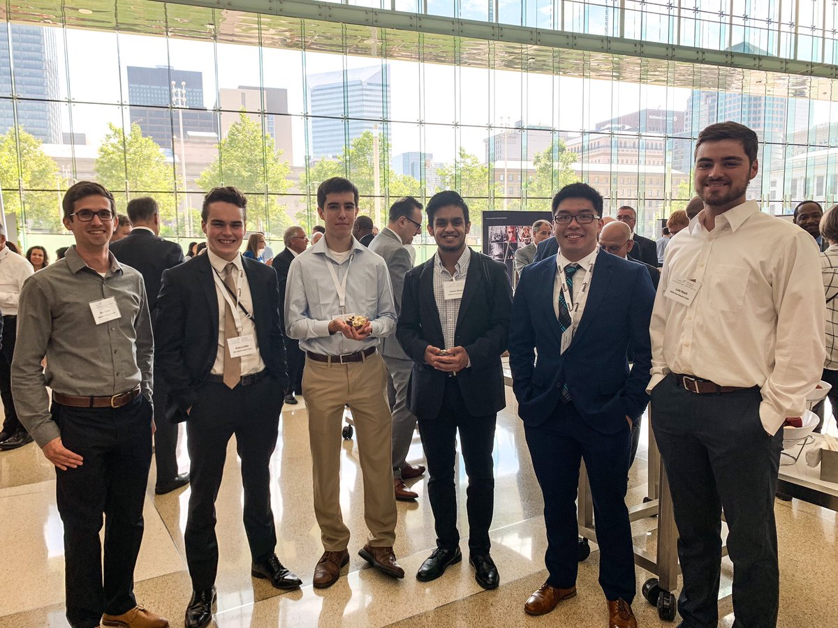 Great to see all of the students and interns attending the #GlennSymposium2019. The future of space starts now with these young innovative minds blazing the trail 🌑🌕 #moontomars #moon2024 @NASASCaN @NASAInterns
