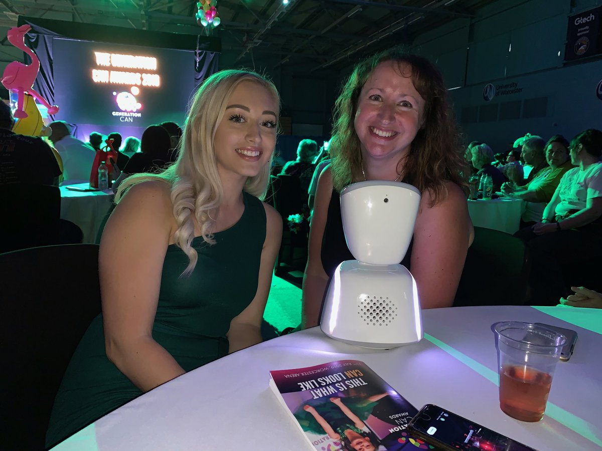 Ozzybot is in the room ❤️❤️❤️❤️@OliviaSaxelby @GraceKellyTrust @dkmsuk #generationcan