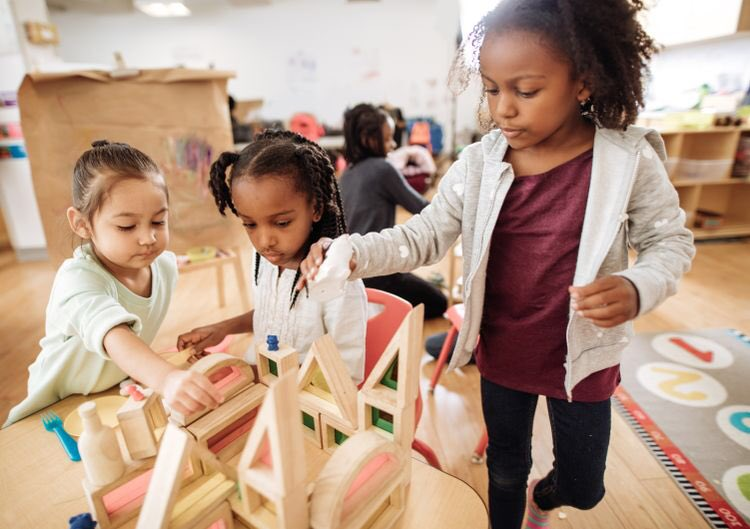 Play IS Learning edutopia.org/article/how-us… #Makered #makerspaces #STEAMMakers