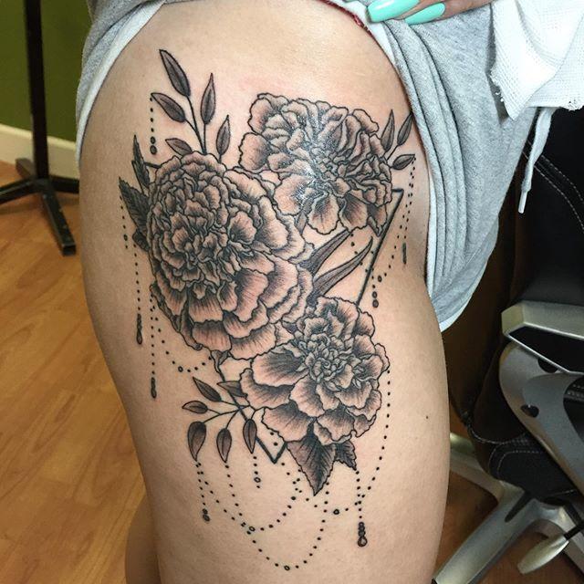 Marigolds for @trinity_dammers #flowers #tattoo #tattoos #tattooer #tattooartist #marigold https://t.co/TjshruZWL2 https://t.co/J5nekJ8aXE