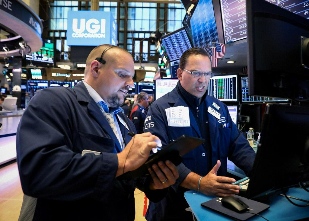 S&P 500, Dow climb as health insurers, financials gain https://t.co/JFb2MBkszT https://t.co/0ORozQXIao