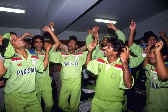 Level hai India have won two cups but no trending about one if it. But #Indopak both are tweeting on #1992MeinBhi This is our speciality  <br>http://pic.twitter.com/95k784g5Bd