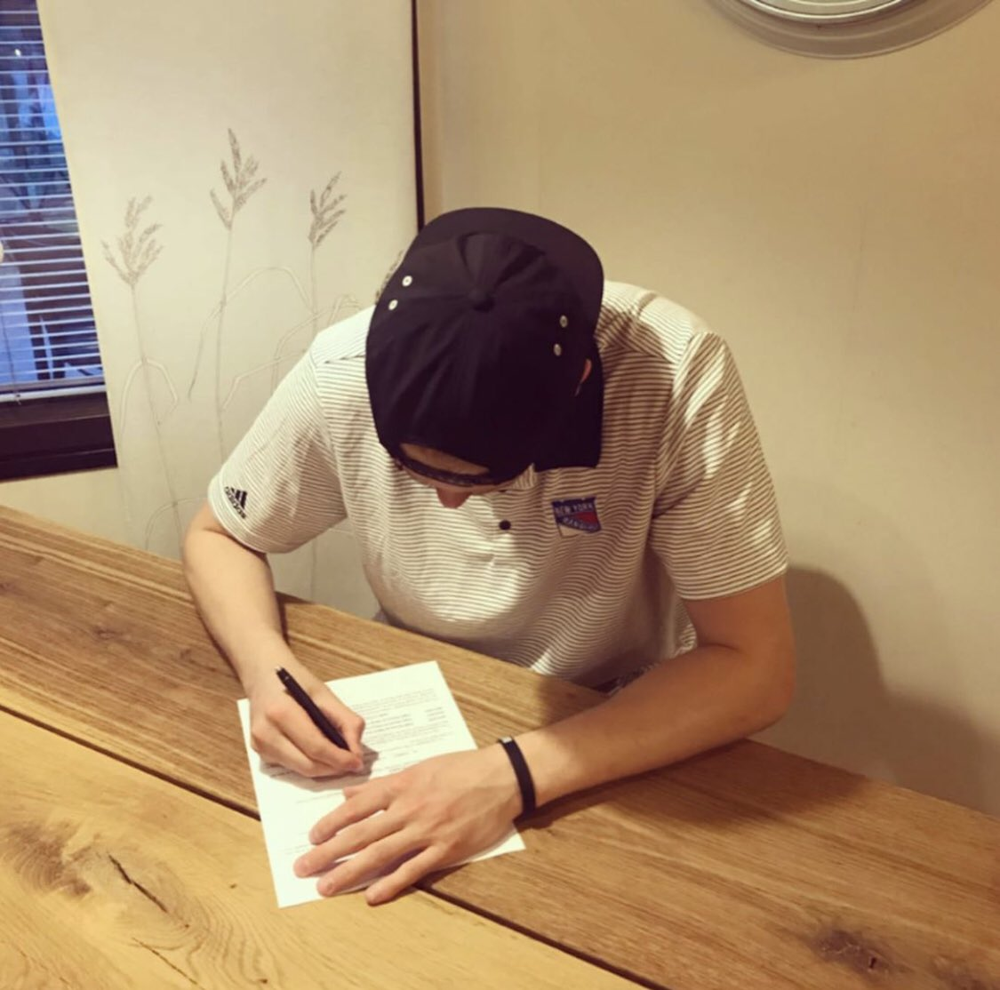 """""""I'm so happy and excited to sign my first NHL contract with the New York Rangers and I want to thank my family, friends, teammates and fans for supporting me."""" - Kaapo Kakko #NYR<br>http://pic.twitter.com/Mi3RfSceo2"""