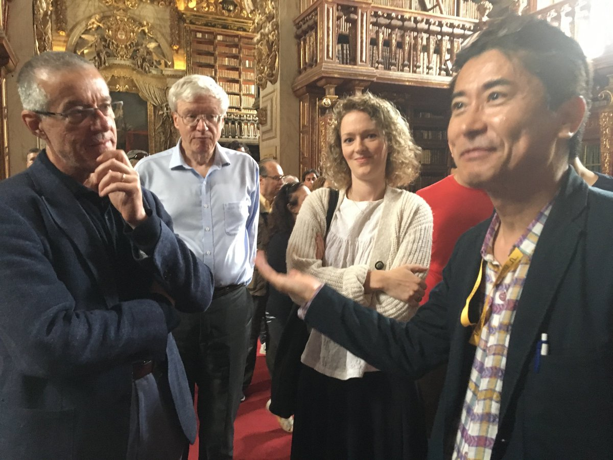 The International #Ageing Conference in Coimbra also gave us the opportunity to admire some really old books! With Tohru Minamino (Niigata), Marieke Rienks (@KingsCollegeLon), James Kirkland (@MayoClinic) and Vicente Andres (@CNIC_CARDIO) at the #joaninalibrary