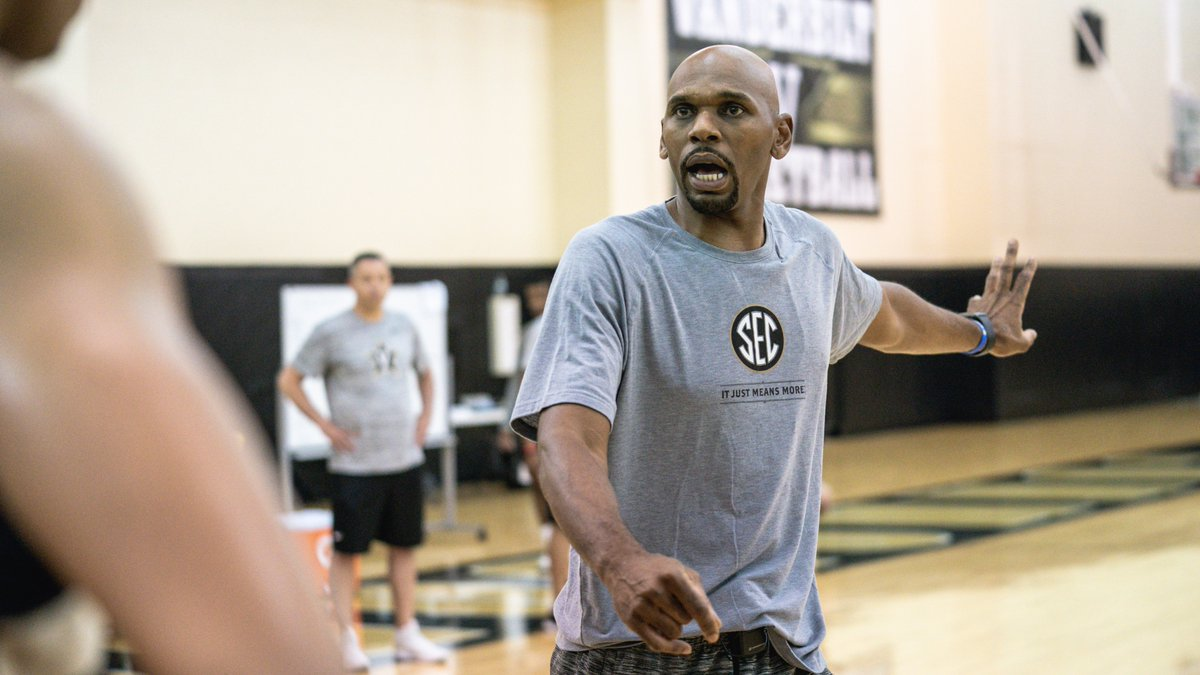 """""""He brings an incredibly high level of integrity and experience as a player and a coach, and it's relevant experience."""" - Shan Foster  🔗 http://vanderbi.lt/bnvoi  #AnchorDown"""