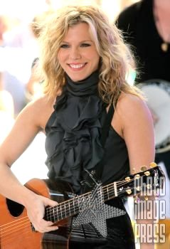 Happy Birthday Wishes to this lovely lady Kimberly Perry!