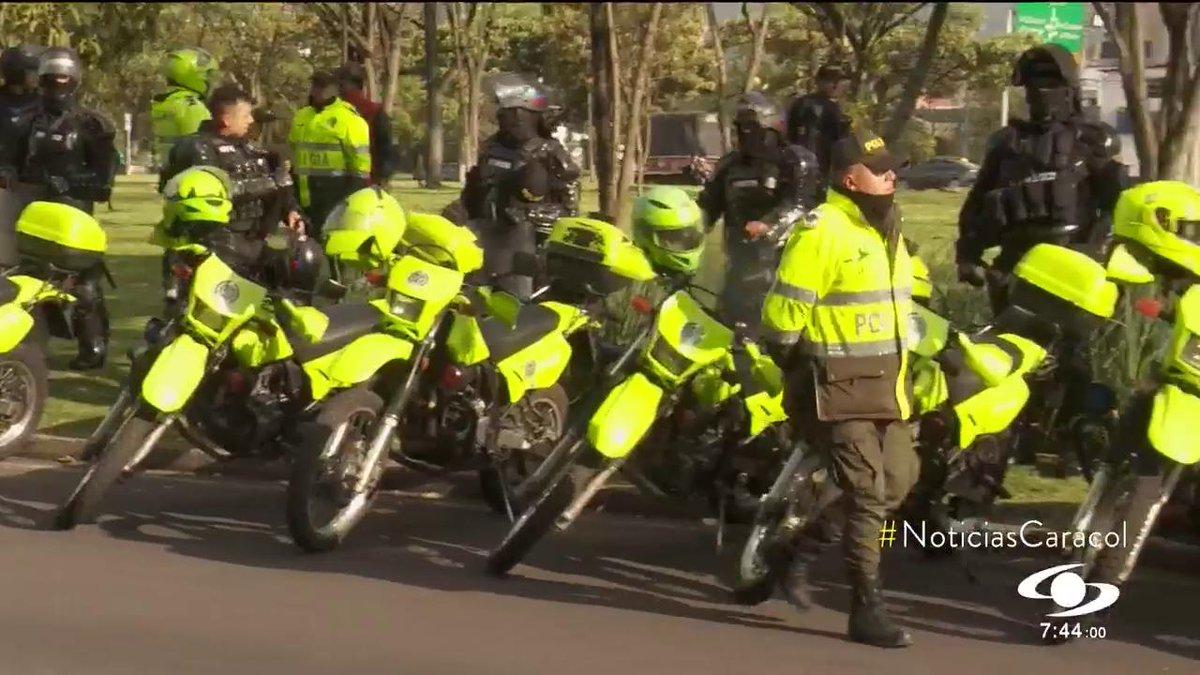 Corte Constitucional tumbó artículo que permitía a policías entrar a casas de ruidosos >>> http://bit.ly/2LiKTlt #NoticiasCaracol