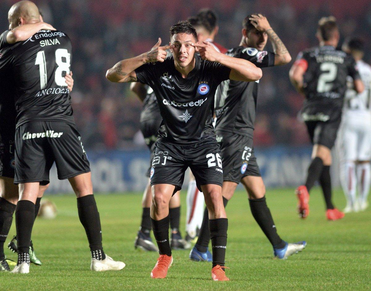Tomó ventaja Santa Fe gol Matías Romero Argentinos Juniors venció ...